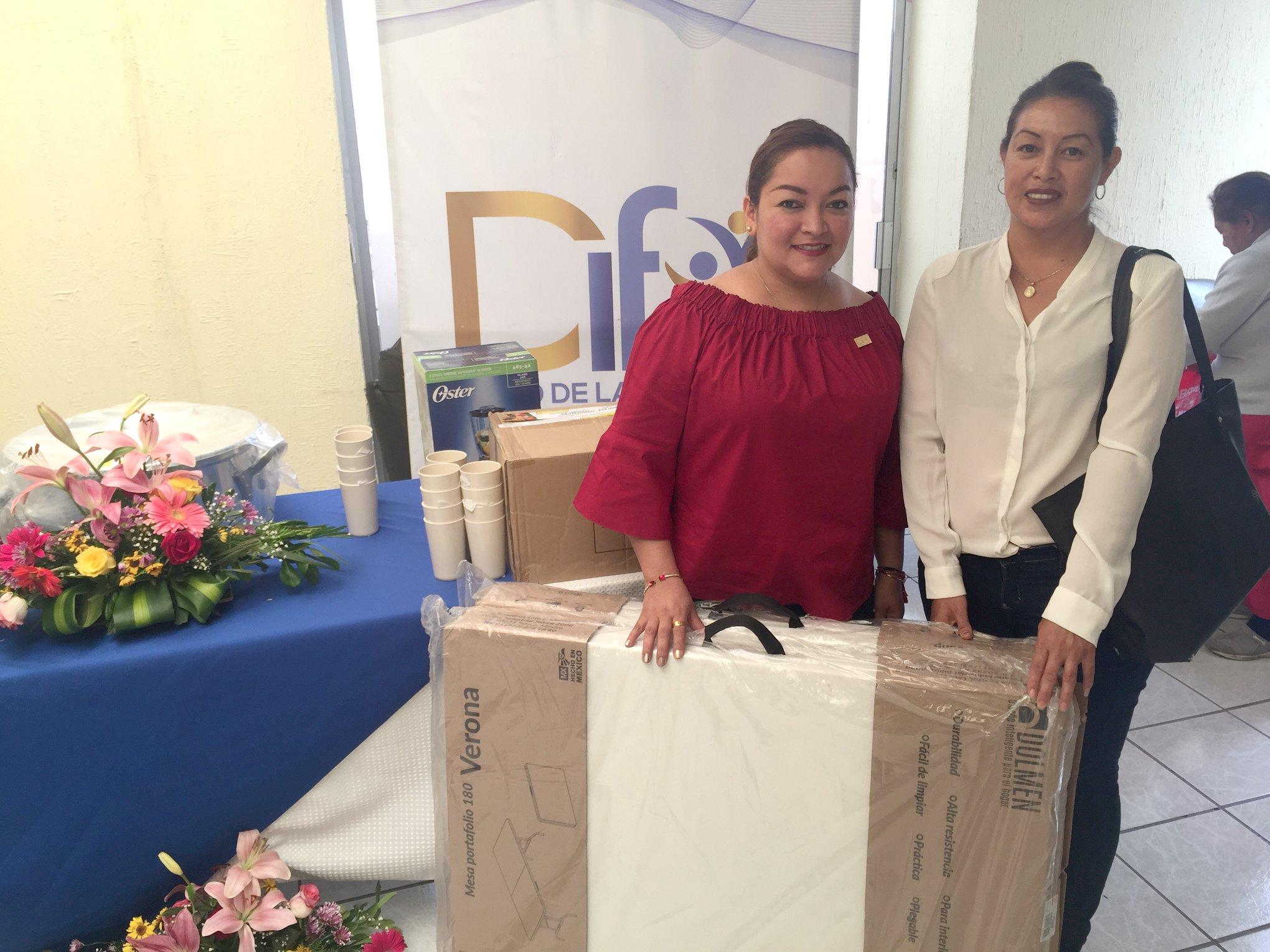 DIF entrega mobiliario a Comedores Comunitarios