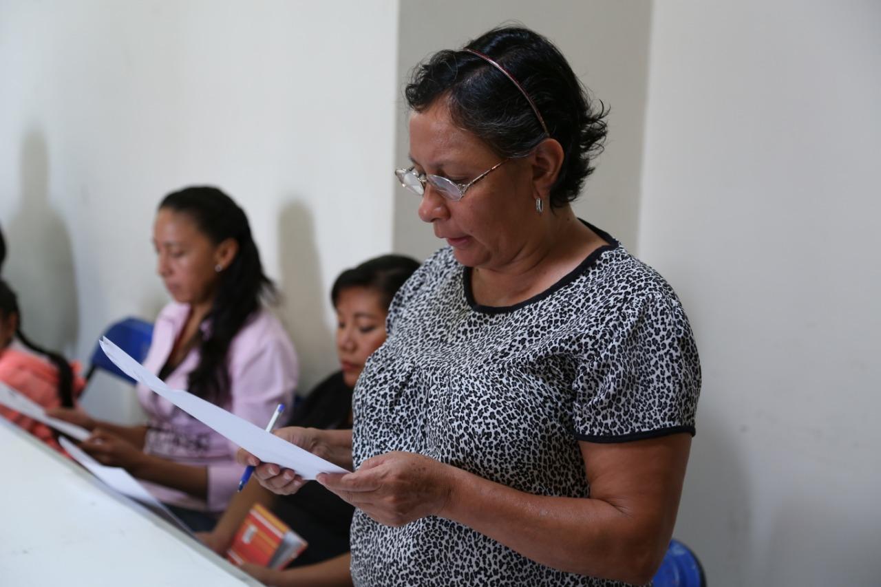 Participan 160 mujeres en plática a favor de sus derechos