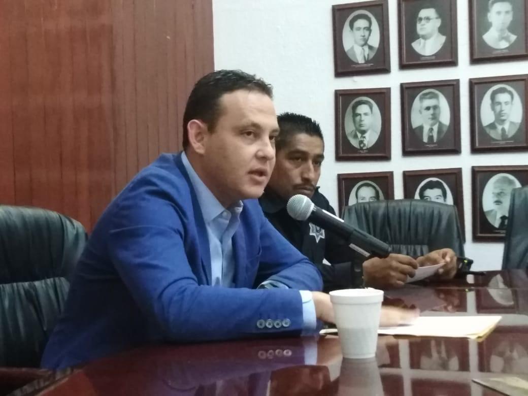 Autoridades Municipales informan seguimiento sobre denuncia a policias