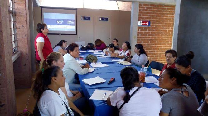 Empoderan a 20 mujeres a través del taller