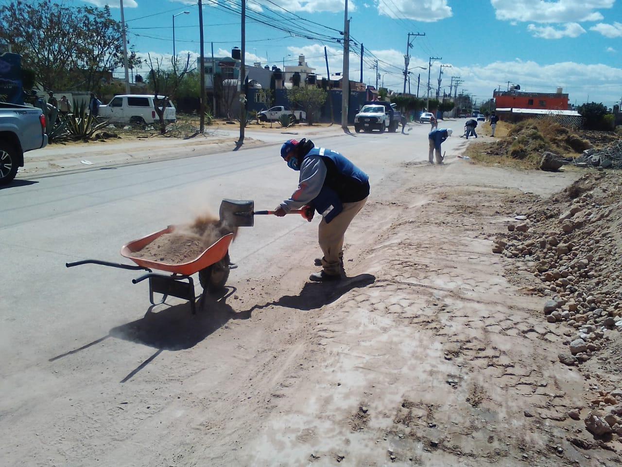 Limpieza de espacios públicos, una tarea diaria de Servicios Básicos