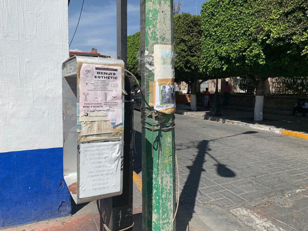 Exhortan No colocar propaganda y publicidad en equipamiento urbano